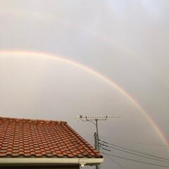 虹 ベランダから📷 虹🌈です😊 まだ、☔️降…