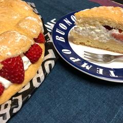 カスタードクリーム/いちご/イタリア生まれ/パンビー/スイーツ フランス🇫🇷生まれのパンビー 型なしで焼…