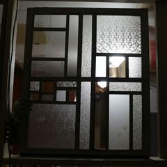 窓/昭和レトロ/DIY/リメイク/ガラス/猫/... パッチワークみたいな窓を作ってみました。…