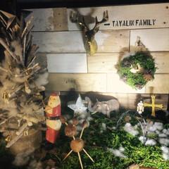クリスマスディスプレイ/DIY/箱庭風/100均/セリア/カブトムシのエサ皿/... L字に組んだ板をベースにアレコレ箱庭風に…