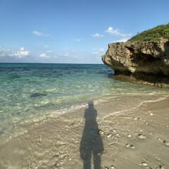 旅行/沖縄旅行/宮古島 宮古島、フナクスビーチ。 海水が透き通っ…