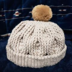ニット帽/かぎ針編み/メランジ/ダイソー/100均/ハンドメイド ダイソーのメランジ2玉とセリアのファーポ…