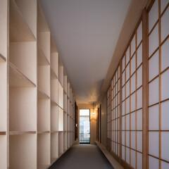 木造/一戸建て/玄関/土間/通り土間/モルタル/... シンプルな矩形を活かしたローコスト住宅