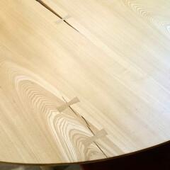 ひらた家具店/平田家具店/家具/テーブル/板/天然木/... 天然木の「一枚の板」になっているテーブル…