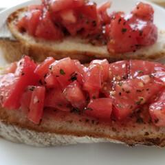 丑の日/うなぎ/トマトのブルスケッタ/グルメ/フード/おうちごはん 朝はmitoちゃんの真似っこのブルスケッ…