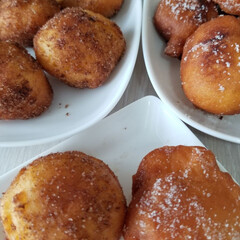 ドーナツ/スイーツ お砂糖のついたドーナツが食べたくなって😋…(1枚目)