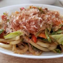 ジェラート/グルメ/フード/おうちごはん 今日のお昼はうどん焼き😋💕 徳島と香川は…