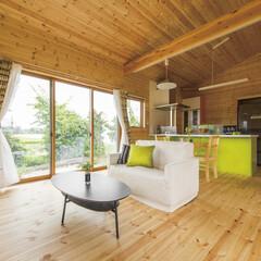 無垢材/ログハウス/リビング ログハウスの室内空間を取り入れるために、…