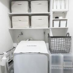 おうち/DIY/雑貨/100均/セリア/インテリア/... 我が家の洗面所。窓がないので 明るく清潔…(1枚目)