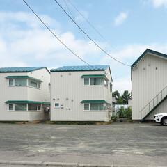 寒冷地/北海道/空室アパート/木造古家/省エネルギー/長期優良住宅/... 西側外観 既存の建物の骨組みをそのまま生…