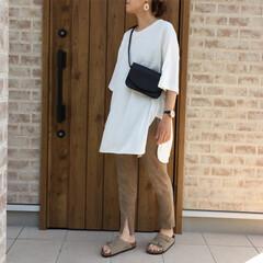 スリットレギンス/ボディバッグ/ロングTシャツ/ZARA/ファッション LIPSTAR  さんのロングTシャツ着…