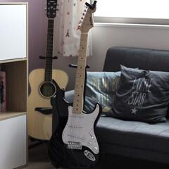 子どもと暮らす/暮らし/ストレス発散/音楽のある暮らし/ギター/趣味/... 長女の趣味。 受験生なのにエレキギターが…