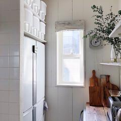 キッチン/収納/冷蔵庫/収納ボックス 冷蔵庫の上に空いたスペースに 棚を取り付…
