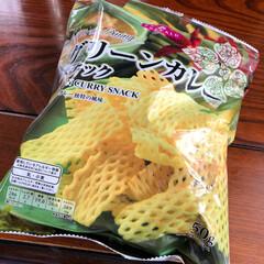 グリーンカレー/スナック菓子/フード トップバリュのグリーンカレースナック😄 …