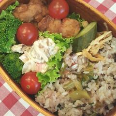 おべんとう/鶏から/ブロッコリー/プチトマト/ポテトサラダ/かにかま/... 鶏のからあげべんとう 鶏からあげ、ブロッ…