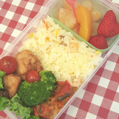 おべんとう/鶏/プチトマト/ラタトゥイユ/からあげ/ピラフ/... 今日のおべんとう 鶏のからあげ、ブロッコ…