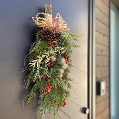 お正月飾り/お正月アレンジ/スワッグ/お正月/インテリア/お正月2020/... 同級生が営むお花屋さんにお願いしてお正月…