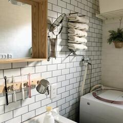 サニタリー収納/サニタリールーム/タオルホルダー/タオル収納/洗面所収納/歯磨きグッズ収納/... 以前DIYした歯磨きグッズラック。 壁面…