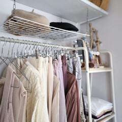 グラデーション/秋服/クローゼット/寝室/収納/DIY/... 家の中で、主人には仕事部屋、子供達には子…