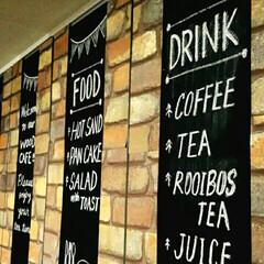 食器棚/レンガ柄壁紙/チョークアート/黒板塗料/壁紙屋本舗/キッチン 無地の食器棚をカフェ風にDIY☆ 黒板塗…