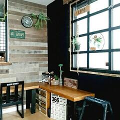 工具不要/ペイント/木枠/窓枠DIY/DIY 板壁に合わせて窓枠リメイク☆  1改善し…(1枚目)