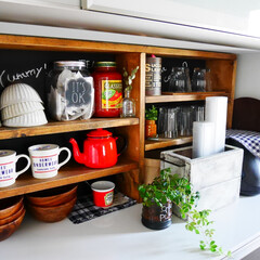 カフェ風/カフェ風インテリア/キッチン/DIY/収納/ディスプレイ DIYした棚にお気に入りをたくさん飾って…