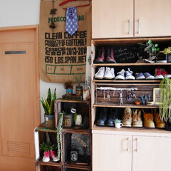「よくある備え付けの下駄箱に家族5人の靴が…」(1枚目)