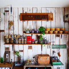 男前インテリア/セリア/100均/棚/棚DIY/DIY 作業部屋です。狭い部屋で収納スペースを確…