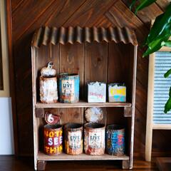 棚/棚DIY/DIY/木工/男前インテリア/インテリア/... 野地板とトタン板で棚を作りました。 屋根…(1枚目)