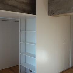 打放し/既存/梁/収納/造作家具 とても風情のある梁は仕上げをせず、空間の…