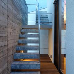 階段/外階段/片持ち/屋上/屋外/エクステリア/... ripple house 屋上へ上がる階…