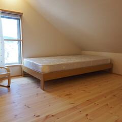 子供部屋/小さい/ロフト 子供部屋は天井が斜めになっているロフトに