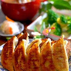 ブロッコリーサラダ/なます/具沢山豚汁/餃子/フォロー大歓迎 こんばんは^ ^ 今夜の夕飯です☘️ 今…