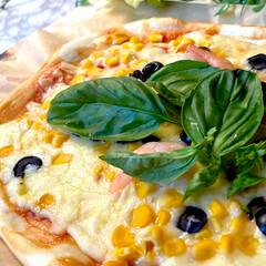 お昼ご飯/リミアな暮らし/シーフード/ピザ/おうちカフェ こんにちは^ ^  今日から2連休で、お…