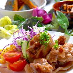 ヒジキ煮/カボチャ煮物/お味噌汁/メニュー/献立/豚の生姜焼き/... こんばんは^ ^ 今夜の夕飯です^ ^ …