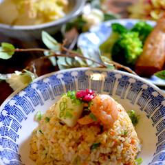 春巻き/白菜のコトコト煮/焦がしニンニク/シーフードチャーハン/フォロー大歓迎 こんばんは^ ^  今夜の夕飯です☘️ …