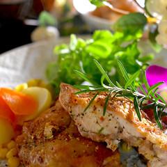 冷蔵庫整理/チキン/塩焼き/フォロー大歓迎 こんばんは^ ^ 今夜の夕飯です☘️  …