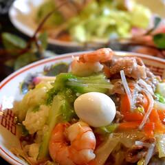 夕飯/チキンサラダ/中華料理/フォロー大歓迎 こんばんは^ ^ 今日の夕飯です☘️  …(1枚目)