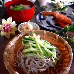 酢の物/献立/夕食/紅鮭/山形芋煮風煮込み/ざる蕎麦 こんばんは^ ^  昨日からバタバタで、…