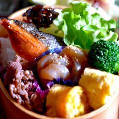フォロー大歓迎/リミアな暮らし/鮭弁 おはようございます😊  昨日、夜の豆まき…