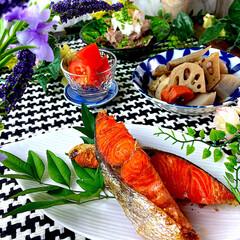 冷やしトマト/夕飯/食材整理/筑前煮/牛すじおろしぽん/紅鮭 こんばんは^ ^  今日の一日...暑過…