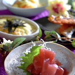 紅鮭/野菜たっぷり/焼ビーフン/山芋ふわふわ焼/ぶつ切りマグロ/食事情/... こんばんは^ ^  今夜の夕飯です☘️ …