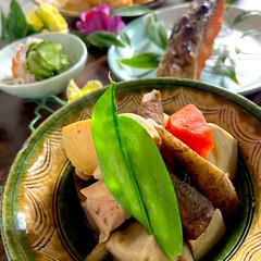 リミアな暮らし/酢の物/焼き大根甘味噌絡め/紅鮭/筑前煮 こんばんは^ ^  今日の献立は、野菜整…