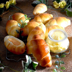 おうちパン/手作りバター/WECK/パン作り/バターロール こんばんは^ ^  かなり久しぶりにバタ…