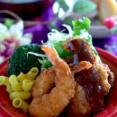 お味噌汁/炊き合わせ/ヒレカツ/エビフライ/フォロー大歓迎 こんばんは^ ^ 今夜の夕飯です  久し…
