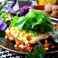 かけちー/夕飯/ピリ辛蒟蒻/冷奴/キムチ/お好み焼き こんぱんは^ ^ 今日はソース系が食べた…