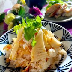 お味噌汁/手羽中の塩焼き/酢の物/リミアな暮らし/竹の子ご飯 こんばんは^ ^  昨日からバタバタで、…