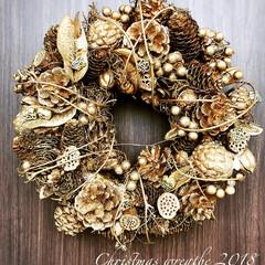 隠れミッキー/手作り/ディズニーマカロニ/マカロニ/松ぼっくり/松ぼっくりリース/... 今年のクリスマスリース完成✨ 今年も松ぼ…