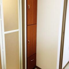 洗面所の隙間/何ということでしょう!/思いがけずピッタリ!/シンデレラフィット/収納 以前から収納に使っていた棚。リフォーム後…