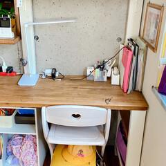 ランドセル置き場/リビング学習/学習スペース/リビング/DIY/DIY収納 最近のリビングの長女(小1)ゾーンです😅…